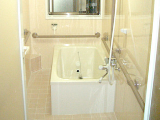 バスルームリフォーム 高齢者の祖母が入りやすい浴室