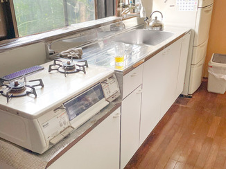 キッチンリフォーム 1日で取り替え完了!使いやすいシンプルなキッチン